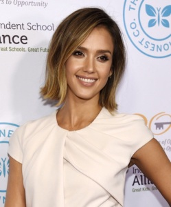 Jessica-Alba-bob-hair-cut